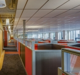 Unite-Panel-System-workstations-in-large-office-area