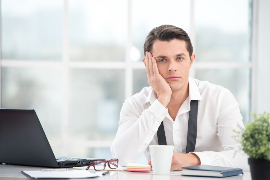 Boring Office Job : Tips to pass the time at a boring job